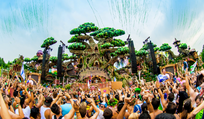 tomorrowland tree stage